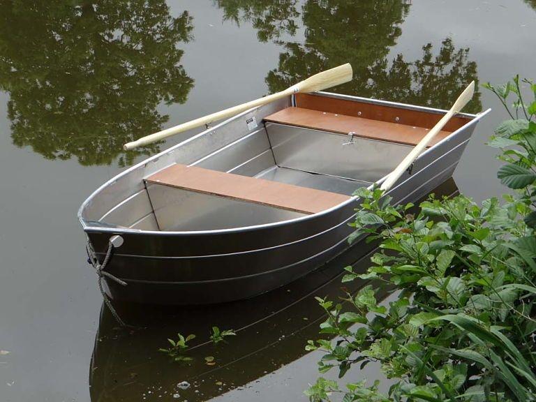 small boat (2)