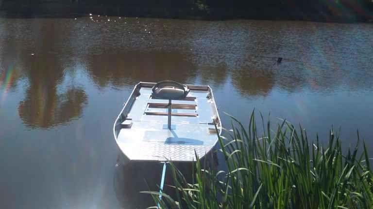 fishing small boat_105