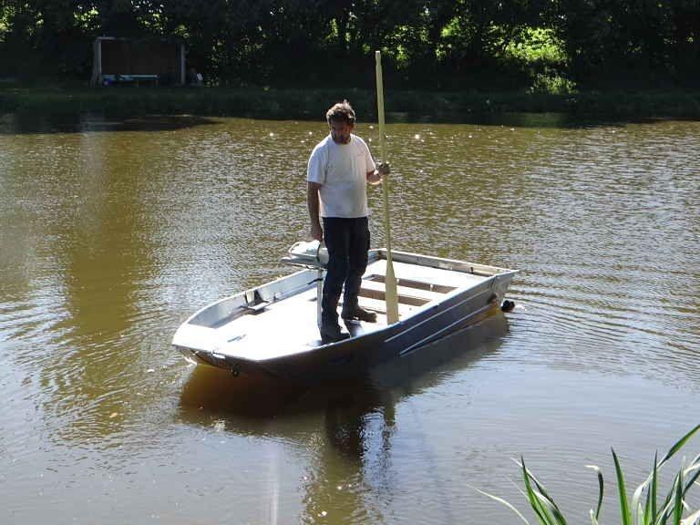 fishing small boat_110