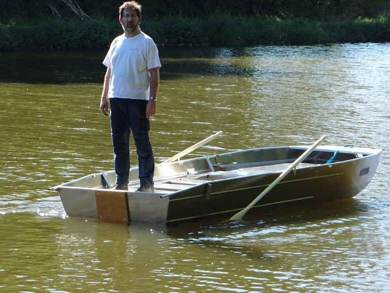 fishing small boat_114