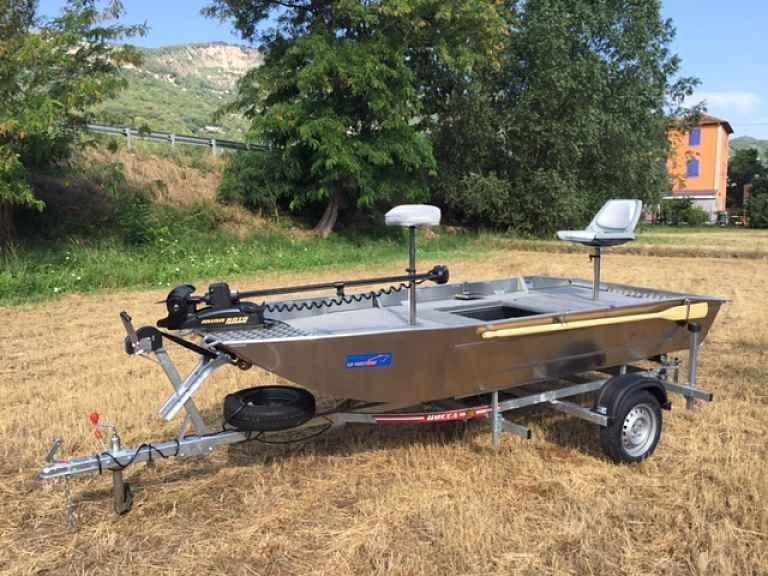fishing small boat_115