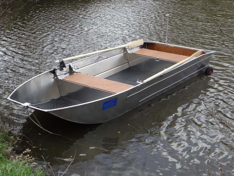 fishing small boat_25