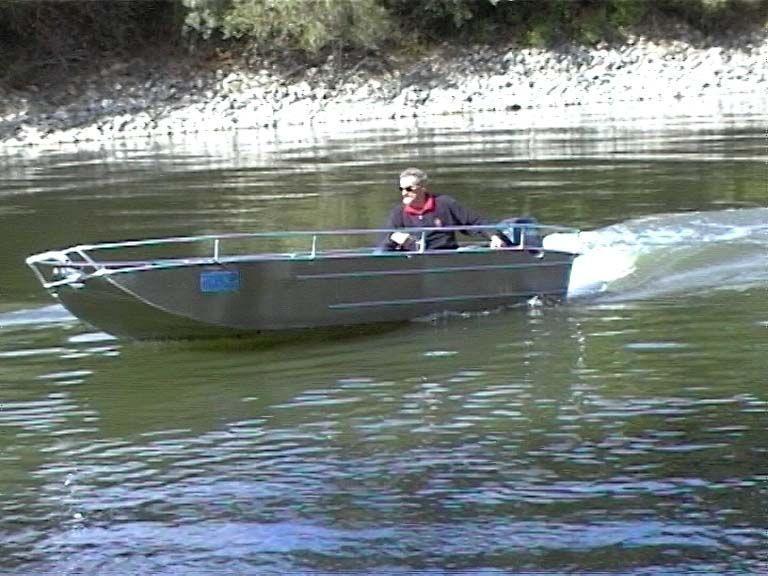 fishing small boat_82