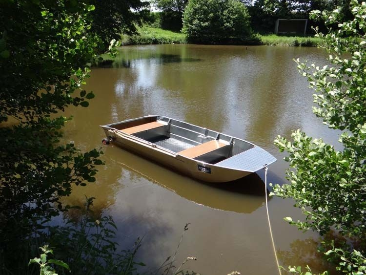 fishing small boat_83