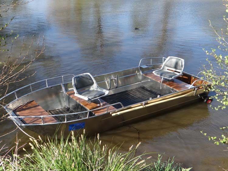 fishing small boat_98