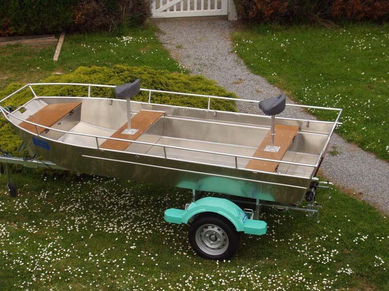 fishing aluminium dinghy (12)