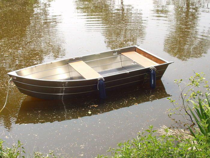 small-aluminium-boat
