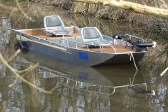 Lightweight aluminum boat