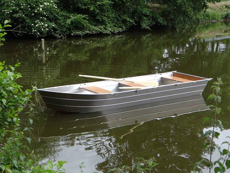 lightweight boat