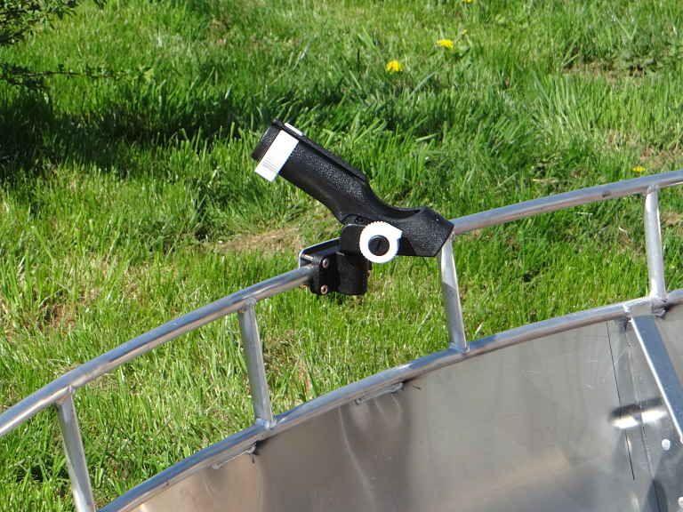 Barque en aluminium - SupportsCanneNoir